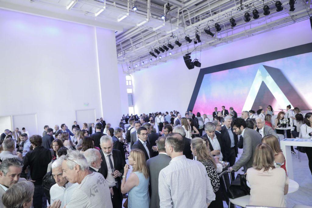 El jueves 12 de diciembre, BBVA agasajó a la prensa, a referentes del ámbito público y tercer sector, en el Faena Art Center donde asistieron más de 300 referentes.